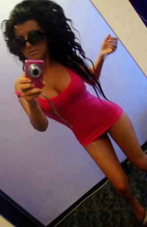 Mazie from Middletown, Connecticut is looking for adult webcam chat