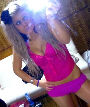 Effie from Nebraska is looking for adult webcam chat
