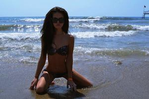 Elinor from Phoenix, Arizona is looking for adult webcam chat